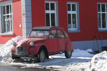 Schlaglicht auch im winter 2cv br ssel 70 jahre 2cv for Garage citroen auch